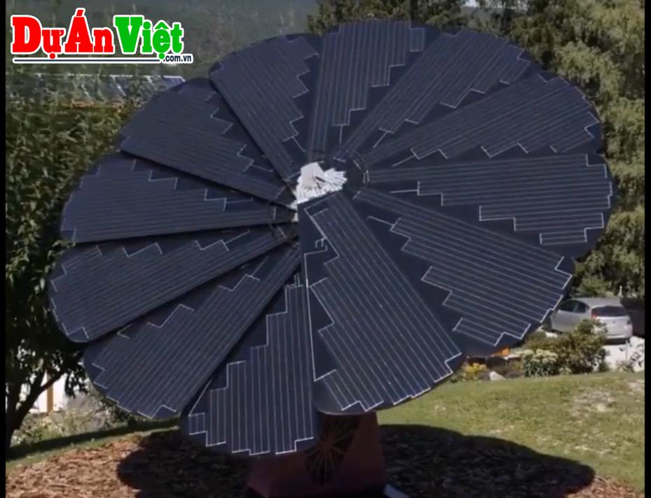 Video: Pin mặt trời tự động xoay như hoa hướng dương, lắp đặt trong 4 giờ